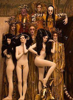 Inge Prader Recreando a Gustav Klimt Para Life Ball