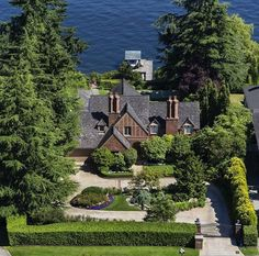 $8.5M Waterfront Seattle Mansion Features Private Funicular