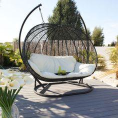 Fauteuil suspendu : un meuble au design amusant et stylé | Bakers ...