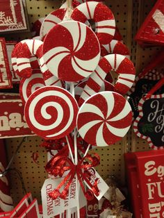 50 Best Candy Cane Christmas Decorations which are the Sweetest things you've Ever Seen - Hike n Dip Can't get enough of candy canes? Learn how to decorate your home for Christmas with these Candy Cane Christmas Decorations Ideas right here. Candy Land Christmas, Dollar Store Christmas, Christmas Yard, Christmas Wreaths, Christmas Crafts, Christmas 2019, Gingerbread Christmas Decor, Christmas Holidays, Advent Wreaths