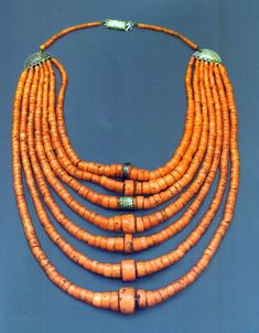 Ukraine | Necklace; coral and silver toned metal | 19th century