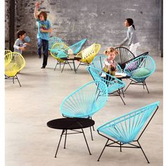 1000 images about chaises enfant on pinterest scoubidou chairs and eames. Black Bedroom Furniture Sets. Home Design Ideas