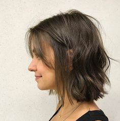 Best Short Wavy Bob Haircuts for 2020 - Long Bob Hairstyles 2019 Wavy Bob Haircuts, Bob Hairstyles For Fine Hair, Haircut Short, Hairstyle Short, Hair Updo, Hairstyles Haircuts, School Hairstyles, Hairstyle For Medium Length Hair, Bob Hairstyles Brunette