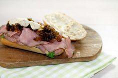 schiscetta-cipolla-caramellata-roast-beef