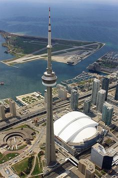 CN Tower in Toronto. I had a panic attack when visiting the glass floor level! 100 degrees, humidity, way too much partying on this trip! Toronto Ontario Canada, Toronto City, Downtown Toronto, Toronto Island, Ottawa, Torre Cn, Wonderful Places, Beautiful Places, Canada Holiday