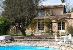 En Provence verte, maison de vigneron avec structure équestre sur 28ha - maisons de caractère à vendre - paca - Patrice Besse Châteaux et Demeures de France, agence immobilière spécialisée dans la vente de châteaux, demeures historiques et tout édifice de caractère. $1,000,000
