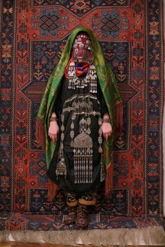 Ethnic groups living in the Russian republic of Dagestan village Rugudja tribal caucasian rug silver jewelry. Traditional Wedding Dresses, Traditional Outfits, Bride Dress Up, Costume Ethnique, Nigerian Bride, Russian Wedding, Folk Dance, Ethnic Dress, Colourful Outfits