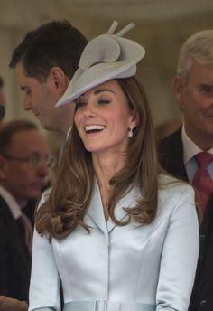 Kate Middleton: The Order of the Garter Service #beBritish #pearllang Kate need pearl-lang.com
