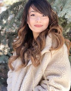 Beautiful hairstyles with side-swept bangs for long hair. Plenty of ideas how to style your already beautiful long hair with fringes or bangs. Side Bangs With Long Hair, Wavy Bangs, Wavy Hair, Straight Bangs, Try On Hairstyles, Easy Hairstyles For Long Hair, Straight Hairstyles, Ponytail Hairstyles, Naturally Curly Updo