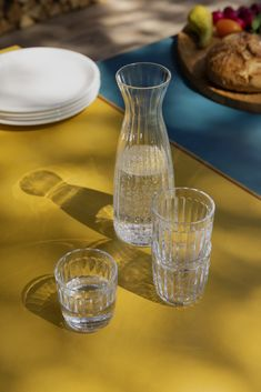 Raami carafe by Iittala serves from breakfast to dinner and goes beautifully together with the tumblers of the same collection. Mouth-blown in Finland, the carafe has a smooth, textured pattern that is easy to hold. Sparkling Wine Glasses, White Wine Glasses, Nordic Design, E Design, Design Shop, Carafe, Hand Tattoos, Alessi, Drinking Glass