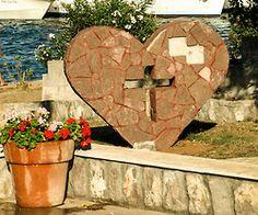 Ilovik 08-2011, religious welcome-heart