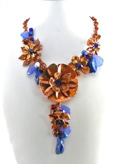 Corn Flower - Bead Style Magazine Community - Forums and Photo Galleries Copper Jewelry, Wire Jewelry, Jewellery, Metal Flowers, Beaded Flowers, Copper Metal, Wire Wrapped Jewelry, Corn Flower, Beading