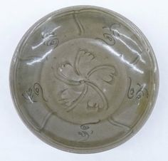 Chinese Ming Dynasty Carved Floral Longquan Celadon Bowl 6.25''x1.5''. 15th/16th century.