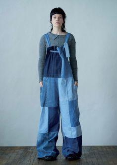 Y's Yohji Yamamoto Fall 2016 Ready-to-Wear Collection Photos - Vogue Yohji Yamamoto, Fashion Week, Fashion Show, Fashion Design, Paris Fashion, Mode Jeans, Vogue, Denim Ideas, Mein Style