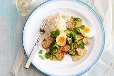 Curry van eieren, broccoli, kokosmelk, cherrytomaten, koriander, vadouvan met zilvervliesrijst. Broccoli, Smoothies, Nom Nom, Spices, Veggies, Lunch, Meat, Chicken, Dinner