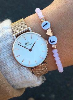 Wunderschönes Perlenarmband mit Buchstaben individuell #selfmade #handmade #pearls #diy #armband #armbänder #herz #weihnachtsgeschenk #geschenk #geschenkidee