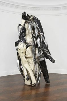 John Chamberlain - This looks like it could be a self-portrait. Contemporary Sculpture, Contemporary Artists, Modern Art, Abstract Sculpture, Sculpture Art, Abstract Art, Art Test, Digital Museum, Land Art