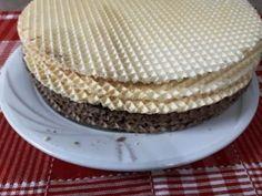 Napolitane cu crema de ciocolata – Savoare si Bun Gust Vanilla Cake, Tray, Desserts, Food, Cream, Tailgate Desserts, Deserts, Eten, Postres