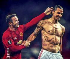 I Am Zlatan, Human Body Art, Soccer Pictures, Soccer Stars, Tattoos Gallery, Geometric Tattoos, Man United, Football Players, Athletics
