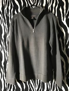 Vintage casual Grey Cotton Pullover with a zip-up collar. Comfortable worn over the pants. Banana Republic Style, Vintage Designer Clothing, Zip Ups, Vintage Outfits, Men Sweater, Pullover, Grey, Casual, Sleeves