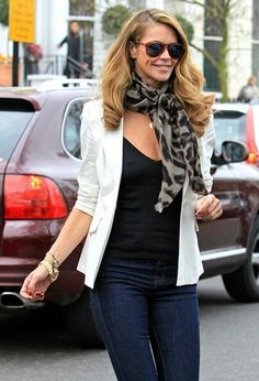 f54c2076134658 Elle MacPherson Long Curls - Elle was spotted on one of her school runs  with runway ready hair.