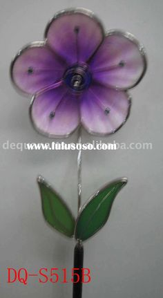 Google Image Result for http://www.lulusoso.com/upload/20110731/Stained_glass_flower_stake_craft_garden_decoration.jpg