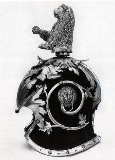 "Mario Scalini identifies the helmet of the Roman soldier with a ""celata"" in the Museo Nazionale del Bargello, Florence (inv. 1634 C, Carrand collection), included in a Medici inventory of 1631 (in Arti del Medio Evo e del Rinascimento). Medieval Helmets, Medieval Armor, Elmo, Helmet Armor, Sketches Tutorial, Roman Soldiers, Caravaggio, Michelangelo, Denial"