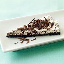 Image of whipped cream pie with chocolate crust