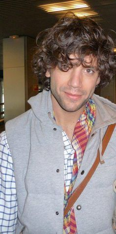 Mika Mika, Attractive People, Beautiful Smile, Boys Who, Singer, Jr, Beans, Glitter, Photos