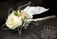single rose/ wand bouquet for flower girl- this or a single dethroned rose that she rips petals off as she walks down the aisle