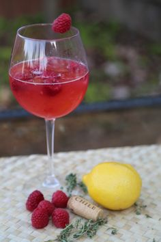 Oh Honey Bee Moscato Wine Cocktail Recipe