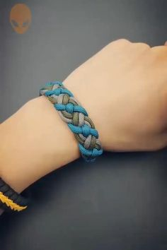 Rope Crafts, Diy Crafts Hacks, Diy Crafts Jewelry, Diy Crafts For Gifts, Bracelet Crafts, Creative Crafts, Macrame Bracelet Diy, Diy Projects, Simple Crafts