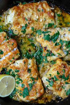 Greek-Style Baked Cod Recipe with Lemon and Garlic The Mediterranean Dish Easy weeknight dinner! Baked cod spiced Greek-style and baked with fresh lemon juice olive oil and garlic Takes 15 minutes or less in your oven! Click the image for more info. Fish Dinner, Seafood Dinner, Fish Dishes For Dinner, Fish Supper, Seafood Bake, Seafood Meals, Mediterranean Diet Recipes, Mediterranean Dishes, Cod Recipe Lemon