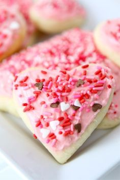 Lofthouse Style Soft Sugar Cookies Recipe ~ Lofthouse sugar cookies with buttercream frosting. These soft and fluffy sugar cookies are perfect for Christmas, Valentine's Day, or any occasion.