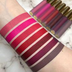 Neskutočné farby 😍 Hydratačný tekutý matný rúž Hydra Matte od Gerard Cosmetics 👌💕 Vďaka hydratačným zložkám budú Vaše pery dokonale vyživené