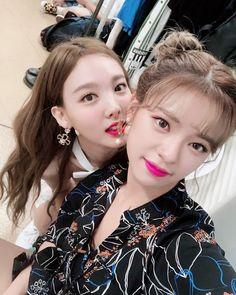 Twice-Jeongyeon & Nayeon 181101