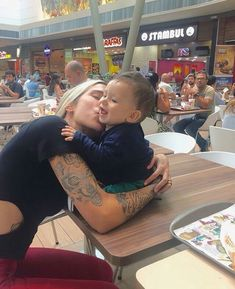 Mommy And Son, Baby Momma, Mom And Baby, Baby Kids, Cute Family, Baby Family, Family Goals, Baby Pictures, Baby Photos