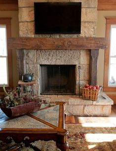 Awesome 47 Latest Farmhouse Fireplace Mantel Decorations Ideas That Will Make You More Comfort Wooden Fireplace, Family Room Design, Rustic Fireplaces, Fireplace Design, Interior Design Rustic, Fireplace Mantel Decor, Rustic Interiors, Rustic Fireplace Mantels, Fireplace