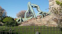 Monumento a Evaristo Churruca en Las Arenas. Obra de Miguel García Salazar. Simboliza la lucha del hombre contra el mar (vía @borjabadiola 24/04/17)