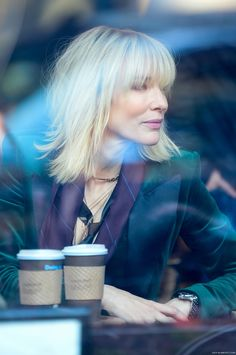 On Set - New York - October 2016 - - Cate Blanchett Fan Cate Blanchett, Short Hair Updo, Short Hair Styles, Ocean's Eight, Oceans 8, Sandra Bullock, Look At You, Hair Today, Fine Hair