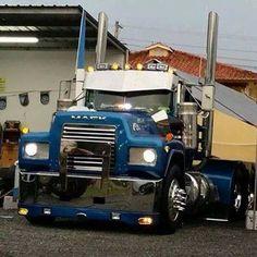 A Mean R Model Mack Dump TruckMack