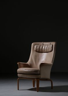 #arnenorell#swedishfurniture#vintage#midcenturymodern century#midcenturyfurniture#midcenturyarmchair#designchair#vintagearmchair#armchairdesign#interiordecor#milkdecoration#dankegalerie Decor Interior Design, Interior Decorating, Vintage Design, Wingback Chair, Midcentury Modern, Accent Chairs, Lounge, Poufs, Thanks