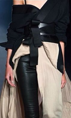 Wrap jacket & belt with pleated skirt & leather pants; fashion details // Haider Ackermann More : Wrap jacket & belt with pleated skirt & leather pants; Fashion Details, Look Fashion, Runway Fashion, High Fashion, Fashion Show, Couture Details, Modern Fashion, Womens Fashion, Black And White Outfit