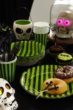 Have you got all of your Halloween tableware for your Halloween party? Order online by 28th Oct. for delivery by 31st Oct!