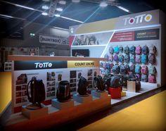 Fotos de los stands de Totto, Joumma Bags, Pepe Jeans, Extremme4me y Erik Editores para la feria Insight - X 2016