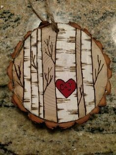 Wood Burning Christmas Ornaments Diy Projects Ideas For 2019 wood ornaments Wood Slice Crafts, Wood Burning Crafts, Wood Burning Patterns, Wood Burning Art, Wood Burning Projects, Wood Log Crafts, Wood Craft Patterns, Christmas Wood, Diy Christmas Ornaments