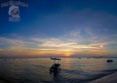 Boaty Sunset Panorama — 12 (4wx3h P) photos merged with PTGui Pro     Don Charisma