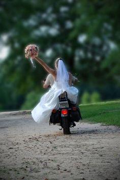 Wedding Pics My wedding day. Except I wore jeans Bike Wedding, Wedding Poses, Wedding Shoot, Wedding Ideas, Post Wedding, On Your Wedding Day, Perfect Wedding, Dream Wedding, Motorcycle Wedding Pictures