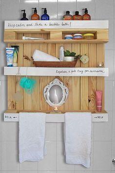 Ou estante para o banheiro!   http://www.minhacasaminhacara.com.br/como-usar-pallets-de-forma-criativa-2/#