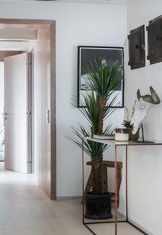 #styling #homestyling #hallway #hall Homestyling av nyrenoverad våning på Narvavägen | Move2